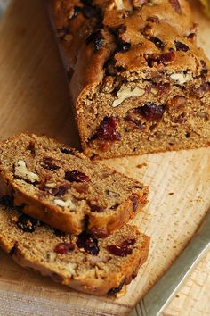 Fig and Date Bread Breakfast or Dessert Recipe with sugar, walnuts, eggs, flour, and whole wheat flour. Coconut Flour Recipes Quick, Wholemeal Flour Recipes, Quick Bread Recipes, Fig Recipes, Baking Recipes, Cookie Recipes, Tasty Bread Recipe, Recipe For Fig Bread, Breads