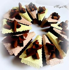 Tortička s čokoládovými hoblinkami... by Bellavida - SAShE.sk - Handmade Iné sviatky