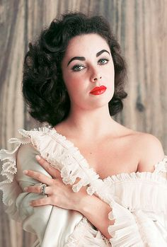 Elizabeth Taylor, photographed by Mark Shaw, 1956.    She was so beautiful!