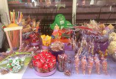 Servicio de mesa de dulces surtidos