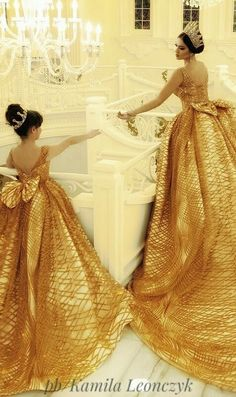 """""""Be My Queen"""" - Make Your Dreams Come True In This Magical Wedding Dress by Merita - Albanian wedding dress designer and Makeup Artist Parukeri Eestetike Merita just blew us away with this Slay Queen inspired wedding dress Arabic Wedding Dresses, Wedding Dress Trends, Bridal Dresses, Girls Dresses, Flower Girl Dresses, Mother Daughter Dresses Matching, Mother Daughter Fashion, Pretty Dresses, Beautiful Dresses"""