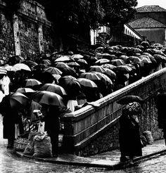 La Plaza de Abastos era y es el mejor mercado de Galicia. Santiago de Compostela, 1961
