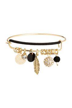 Bracelet rigide: Fin bracelet rigide en métal avec bijoux décoratifs. Modèle à double rang devant. Fermeture par crochet.