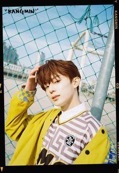 VERIVERY 1st MINI ALBUM[VERI-US]OFFICIAL PHOTO#강민 #KANGMIN#베리베리 #VERIVERY #VRVR#VERI_US #불러줘 #Ring_Ring_Ring#20190109_6PMpic.twitter.com/Ub4G5MKfk3 Jellyfish Entertainment, Rapper, Pop Albums, Pop Collection, Korean Men, Debut Album, Kpop Groups, Boyfriend Material, My Man