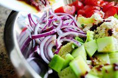Greek Salad / The Pioneer Woman