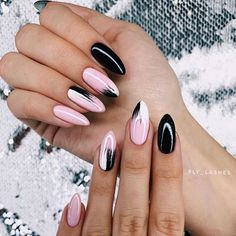 Best 2020 Nails Art Design The best new nail polish colors and trends plus gel manicures, ombre nails, and nail art ideas to try. Get tips on how to give yourself a manicure. Stylish Nails, Trendy Nails, Cute Nails, Spring Nails, Summer Nails, Hair And Nails, My Nails, Dark Nails, Shellac Nails