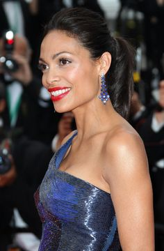 """Rosario Dawson Photos Photos - Rosario Dawson on the red carpet for the screening of """"Les Biens-Aimes"""" at the closing ceremony of 64th Cannes Film Festival. - Rosario Dawson at the Premiere of """"Les Biens-Aimes"""" at Cannes"""