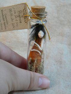 Captured Woodland Spirit Oriental Gold Fairy by littlefolkoffaery Bottle Jewelry, Fairy Jewelry, Bottle Art, Fairy Templates, Fantasy Craft, Fairy Jars, Miniature Bottles, Baby Fairy, Altered Bottles