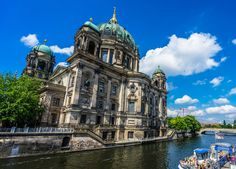 From street art tours to jumping off of a 125m tall building, here are 8 of the most awesome things to do in Berlin during your visit to Germany!