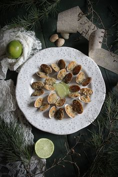 vongole gratinate al lime - La merenda di Charlotte Love Food, Food Photography, Stuffed Mushrooms, Vegetables, Outdoor Decor, Recipes, Stuff Mushrooms, Vegetable Recipes, Veggie Food