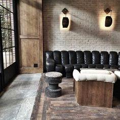 The Ludlow Hotel, New York City de Sede sofa, vintage look New York City, New York Loft, Interior Exterior, Interior Design Kitchen, Interior Architecture, Hotels In New York, Ludlow Hotel, Deco Restaurant, Cuir Vintage