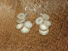 Deer Antler disk earrings Antler Jewelry, Antler Ring, Antler Art, Bone Jewelry, Farm Crafts, Diy Crafts, Antler Mount, Antler Crafts, Deer Horns