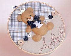 Quadro Maternidade Bastidor Urso coroa