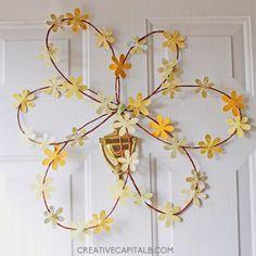Gorgeous Spring Wreath Round-Up via thinkingcloset.com