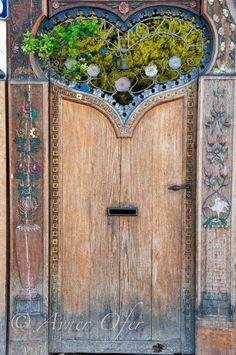 Property entrance portal in Paris by AvnerOfer Cool Doors, The Doors, Unique Doors, Windows And Doors, Arched Doors, Front Doors, Grand Entrance, Entrance Doors, Doorway