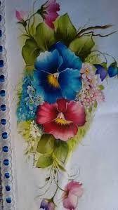 Resultado de imagem para passadeira de mesa pintada Tole Painting, Fabric Painting, Fabric Art, Painting & Drawing, Colorful Paintings, Beautiful Paintings, Flower Images, Flower Art, Flower Tattoo Arm