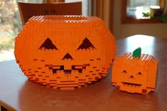 First draft with small pumpkin as a reference. Face Idea came from mhuffman photo stream Lego Halloween, Adult Halloween, Halloween Stuff, Halloween Ideas, Lego Pumpkin, Bloc Lego, Pumkin Carving, Lego Moc, Lego Lego