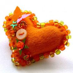 Cuteable » Blog Archive » little heart pins