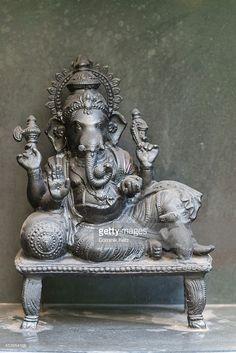 Photos et images de B.K.S. Iyengar Memorial Yoga Institute | Getty ...