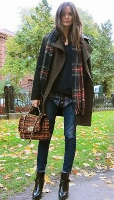 9 Amazing Tips: Women's Urban Fashion Clothing classy urban fashion floral prints.Classy Urban Fashion My Style urban fashion casual shoes outlet. Fashion Moda, Urban Fashion, Look Fashion, Womens Fashion, Fall Fashion, Fashion 2018, Petite Fashion, Curvy Fashion, Style Work