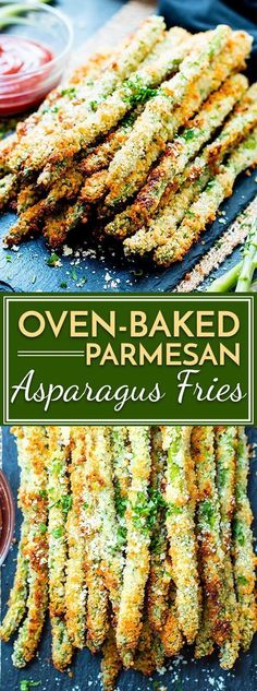 Oven-Baked Parmesan Asparagus Fries Parmesan asparagus fries are baked in the oven to crispy perfection. They are a healthier alternative to french fries and are vegetarian and gluten-free! Side Dish Recipes, Vegetable Recipes, Vegetarian Recipes, Cooking Recipes, Healthy Recipes, Online Recipes, Kraft Recipes, Asparagus, Gourmet