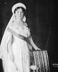 Grand duchess Olga Nikolaevna 1913. To the people who have been going through my account and filling my notifications with likes I love you! Thank you for appreciating my account! #otma #romanovs #russianroyalty #imperialrussia #romanov #grandduchess #grandduchessolga #olganikolaevna #houseofromanov #russianhistory #russianempire #1913 by otmaplusalexei