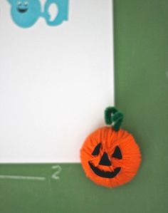 Quick craft to try with the kids! Pumpkin magnets that you can make in no time.