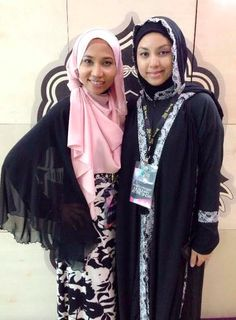 The founder , Ms Emi with Mizz Nina during the Being Me - Muslimah Empowered Conference at Putrajaya International Convention Centre -  Top2ToeStyliesta were there as Hijab Stylist to Madeena models - runaway show.