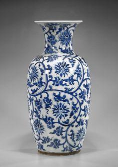 Tall Chinese Blue White Porcelain Vase On