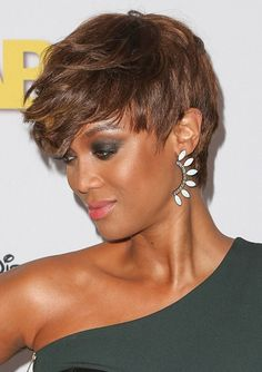 tyra banks hairstyles pictures | Tyra Banks-Head Turning Short Haircuts l www.sophisticatedallure.com