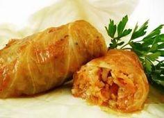 Rendimento1 porções Ingredientes- 8 folhas de repolho (escaldada) - 500g de carne moída - 2 dentes de alho - ½ cebola ralada - salsinha a ...