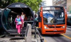 Linha Turismo é uma linha de ônibus especial que circula nos principais pontos turísticos de Curitiba