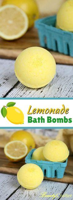 This refreshing lemon bath bombs recipe can bring the lemonade stand right to your bath! Includes recipe and free printable Lemonade Stand Bath Bomb labels Bath Fizzies, Bath Salts, Bath Boms, Bombe Recipe, Homemade Bath Bombs, Diy Bath Bombs, Bath Bomb Recipes, Mason Jar Lighting, Mason Jar Diy