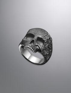 Waves Skull Ring