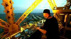 เปิดเพลงบน Eiffel ตอนพระอาทิตย์ตก ฟีลโครตดี !!  แอดขอเสนอ Kölsch Dj/Producer ชาวเดนมาร์ค เปิดเพลง House / Techno บนหอ eiffel ยามเย็น  อยากไปนั่งฟังเพลงข้างบนด้วยจัง 😂  #edmexclusive #EDMFamily #EDM #music #TranceFamily #housemusic #edmlife #trance #house