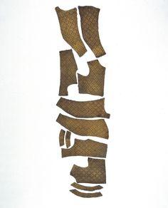 Tröja, doublet, 1610 Livrustkammaren Sweden. Sämskskinn. Längd liv 445mm, längd framkant 355, längd rygg 420mm, höjd krage bak 120mm, längd ärm 600mm(?).