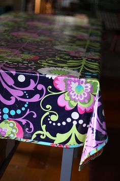 How to sew a laminate tablecloth @Lisa Hughes-you could make a cool cloth to go with your new paint