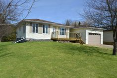 Charming 3 Bedroom Bungalow In Quaint Town Of Dundalk.