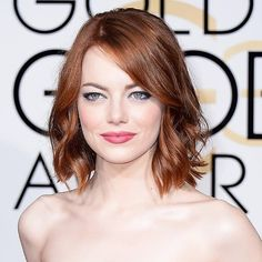 Still obsessing over #EmmaStone's #GoldenGlobes look. Proof you don't need a (spray) tan to glow on the red carpet! ✨ #beauty #redcarpet #rockitlikearedhead