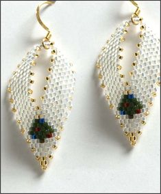 Christmas Tree Russian Leaf Earrings Beading Pattern at Bead-Patterns.com