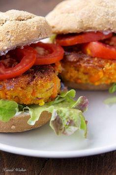 vegan carrot burgers from @vegalicious_org