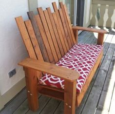 Make outdoor benches out of reclaimed pallets