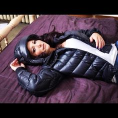 This girl is looking so sexy in her puffy jacket. #puffyjacket #puffy #puffer #jacket #shiny
