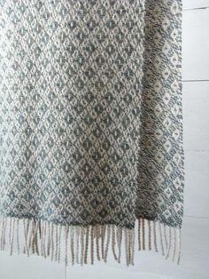 woven wool muffler / twill