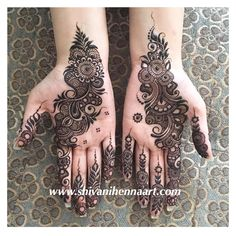 "Shivani Patwa on Instagram: ""Henna with style and passion !! For the booking questions, please email us on ✉️shivanihennaart@gmail.com www.shivanihennaart.com #henna…"""