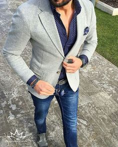 776475d8a20208 Marry a grey knit blazer jacket with navy jeans for a dapper casual get-up