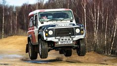 Going racing in a Land Rover Defender - BBC Top Gear