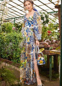 Fall- Winter Dolce & Gabbana Women's I Love Maiolica Collection Nice Dresses, Summer Dresses, High Fashion, Womens Fashion, Colorful Fashion, Classy Outfits, Latest Fashion Trends, Designer Dresses, Fashion Dresses