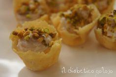 Cestini di grana con crema al prosciutto e pistacchi