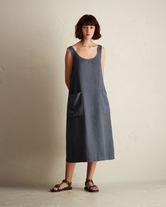 Easy sun dress in a lightweight, supple linen. Low scoop neck and back with button opening below. Two patch pockets. Linen Dress Pattern, Sundress Pattern, Dress Patterns, Linen Tunic, Simple Dresses, Plus Size Dresses, Casual Dresses, Linen Dresses, Cotton Dresses